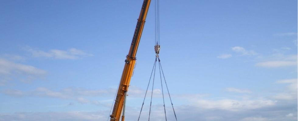 Einheben des Übergabebauwerkes für WL-Verbund Moorenweis-Jesenwang